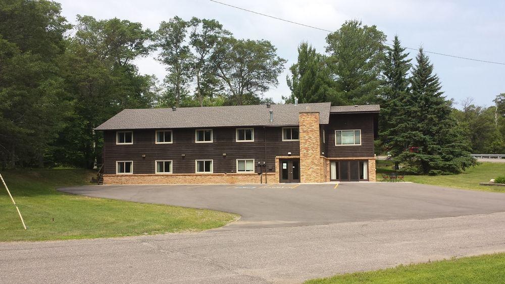 Pelican Lake Motel